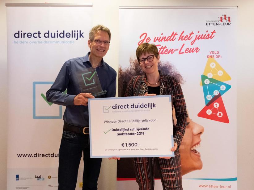 Henk Buesink, ambtenaar bij de gemeente Etten-Leur is de 'best schrijvende ambtenaar 2019'.